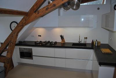 Moderne keuken op zolder