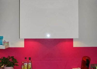 Leny's keuken, Selectiv in hoogglans wit met composiet bladen Stellar Negro
