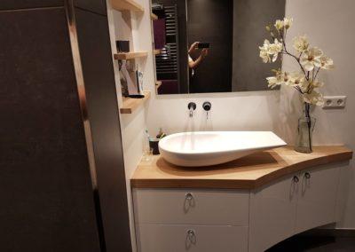 De badkamer van Rob & Nicky met Bart Peeterse designmeubels