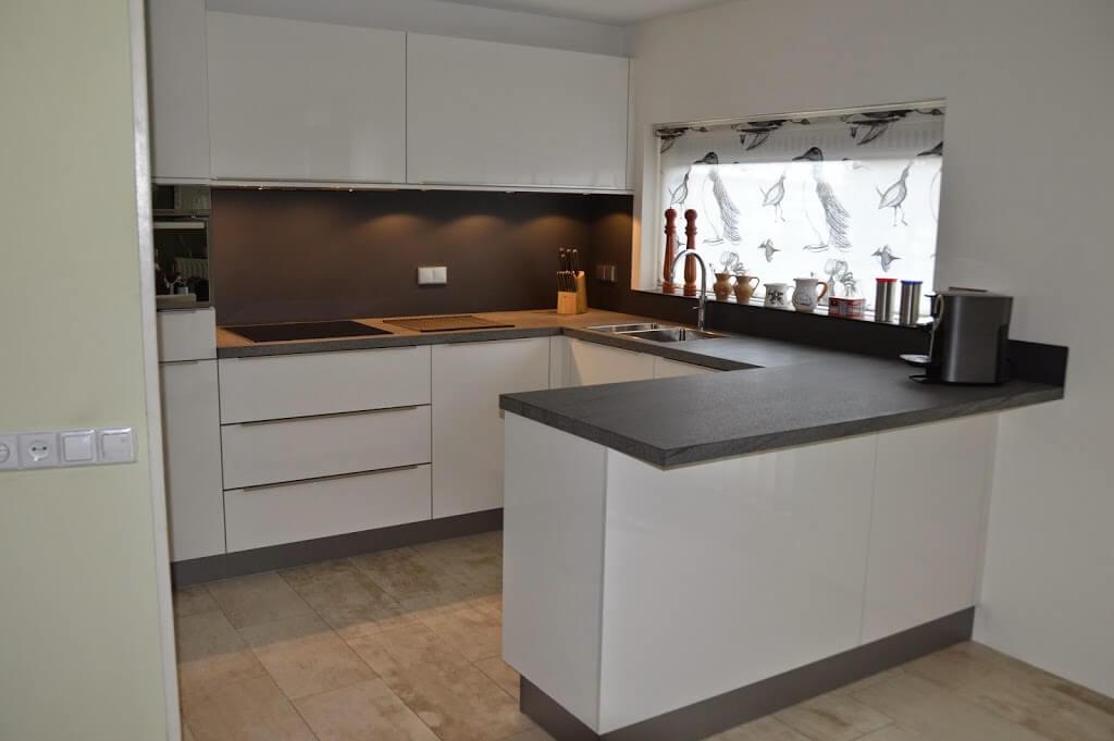Keuken met deels maatwerk kasten van Rob en Vrouwkjen